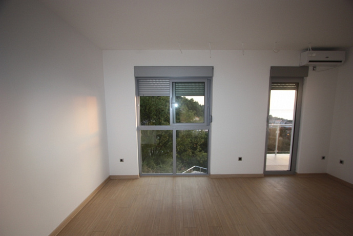 751 Budva  Apartment 1r 66-71m2