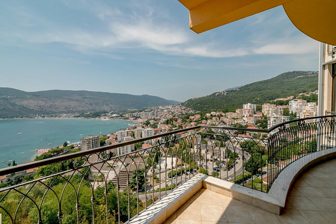2712 Herceg Novi  Apartment 1-3r 53-108m