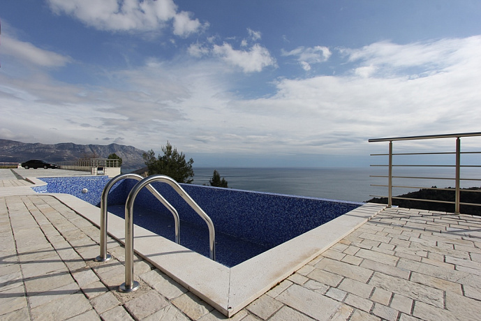 3677-18 Budva apartment 2r 139m
